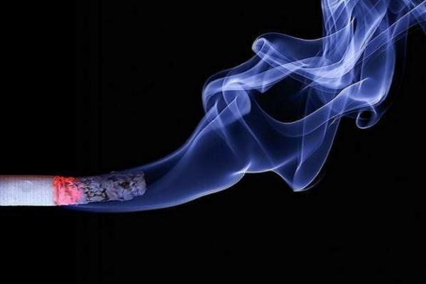 سیگار کشیدن موجب تضعیف سیستم ایمنی دندان ها می گردد