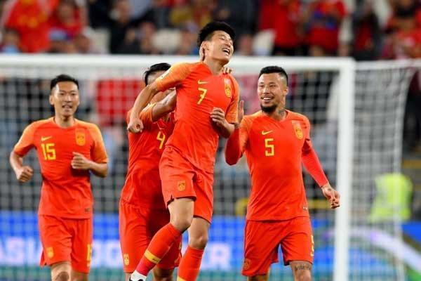 صعود تیم ملی فوتبال چین به مرحله یک هشتم با غلبه بر فیلیپین