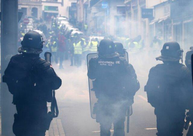 پیشنهاد پاداش 300 یورویی دولت فرانسه به پلیس های ناراضی