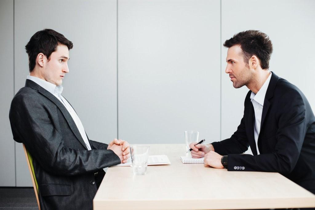 10 ترفند زبان بدن در مصاحبه استخدامی که مصاحبه کننده را تحت تاثیر قرار می دهد