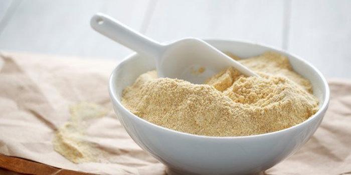 طرز تهیه 5 نوع ماسک آرد نخودچی برای روشن سازی پوست