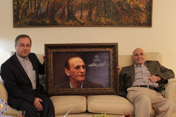مدیرعامل صندوق حمایت از قهرمانان از دکتر توکل عیادت کرد