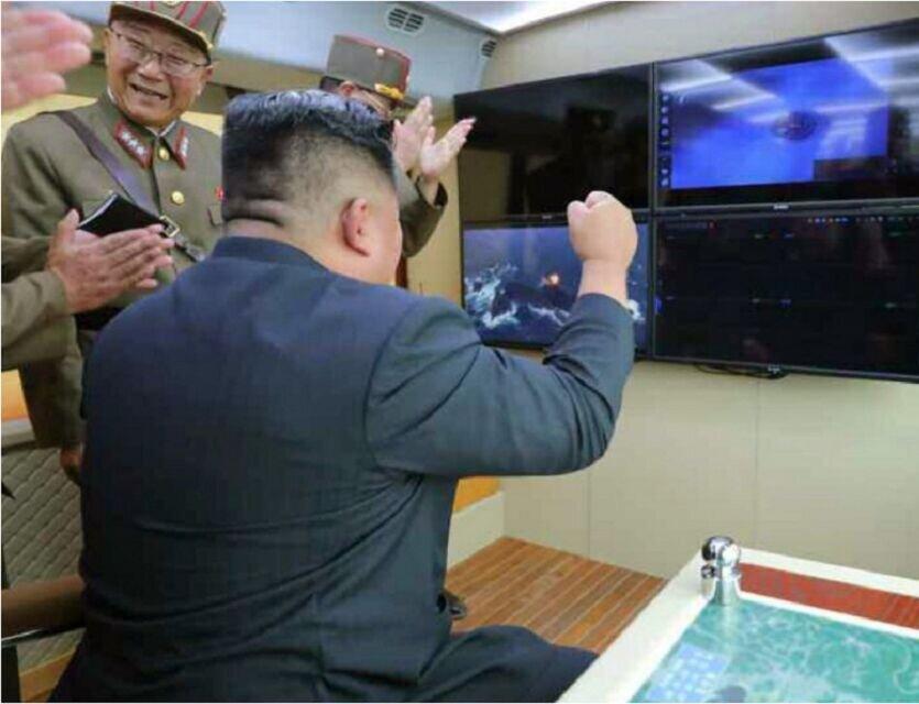 کیم، شخصا آزمایش موشکی را نظارت کرد