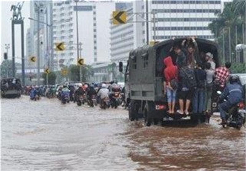 آواره شدن حدود 31 هزار نفر درپی سیل و رانش زمین در اندونزی