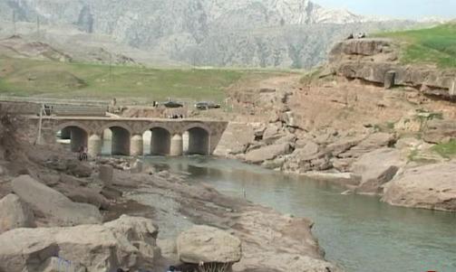 شروع مرحله دوم عملیات مرمت و سامان دهی پل تاریخی افرینه لرستان