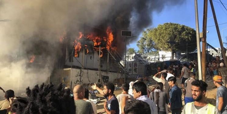 آتش سوزی و درگیری در اردوگاه پناهجویان در یونان دو کشته برجا گذاشت