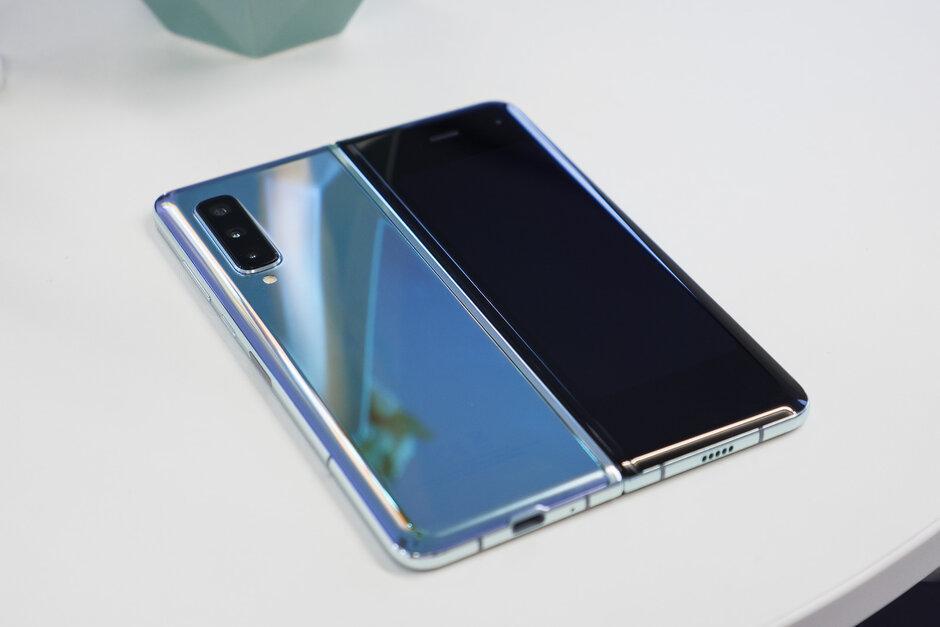 عرضه احتمالی گوشی Galaxy Fold 2 در سال 2020