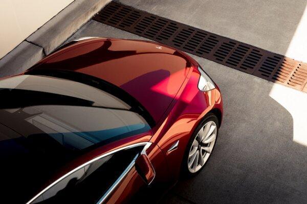 فراخوان خودروهای تسلا از پارکینگ ممکن شد