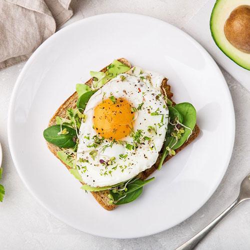 بهترین و بدترین غذاهایی که می توانید برای صبحانه بخورید