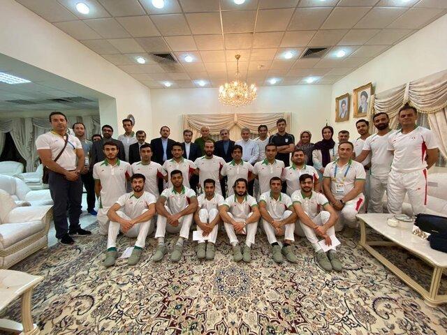 صالحی امیری خطاب به ساحلی بازان: پیگیر حل مشکل خدمت شما خواهیم بود
