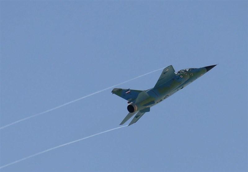 اخبار رزمایش، جنگنده های ارتش در سواحل دریای عمان به پرواز درآمدند
