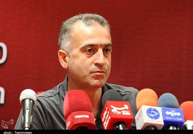 کمالوند: فدراسیون فوتبال برای همه داوران یک سیاست جریمه ای اعمال کند