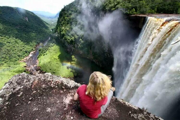 آبشار کایتور، جواهری در دل جنگل های گویان