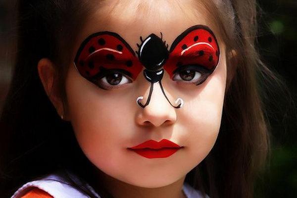 مد اینستاگرامی آرایش کودک و سلامتی که قربانی می گردد