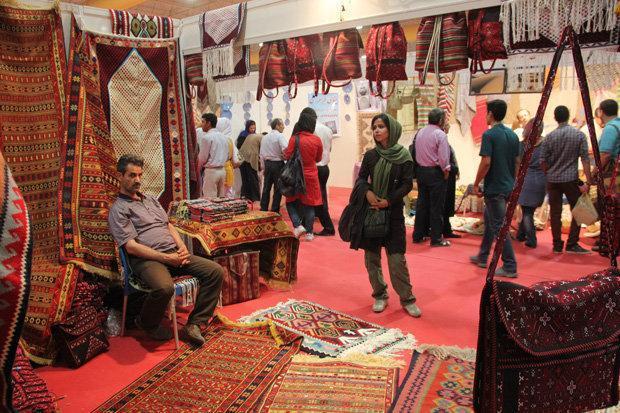 نمایشگاه صنایع دستی 12 استان کشور در دهلران گشایش یافت