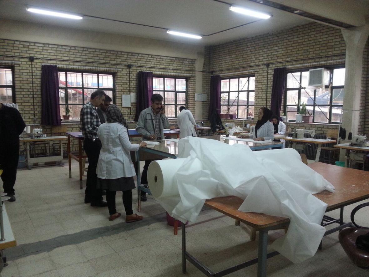 خبرنگاران فراوری ماسک در مرکز آموزش فنی و حرفه ای بوکان شروع شد