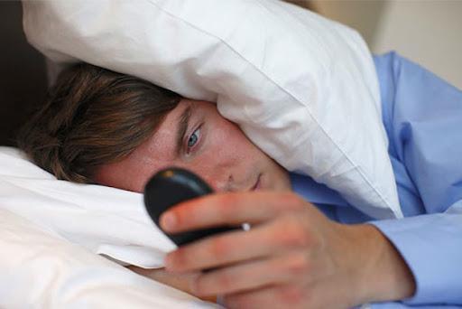 12 راه حل موثر غلبه بر بدخوابی ایام کرونایی