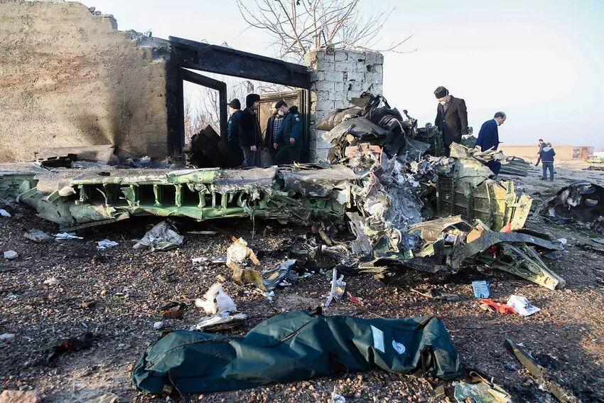 خبرنگاران کانادا: انتقال جعبه های سیاه هواپیمای اوکراینی به فرانسه ایده خوبی است