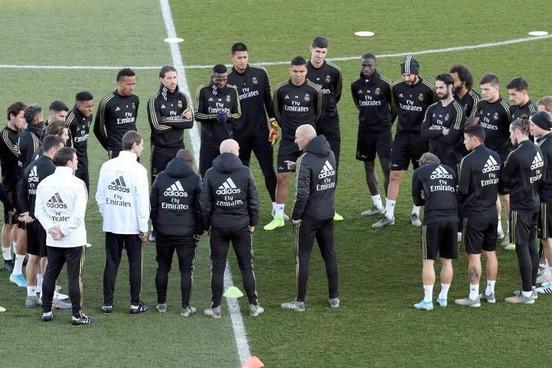 نخست وزیر اسپانیا خطاب به بازیکنان لالیگا: از 15 اردیبهشت می توانید تمرین کنید