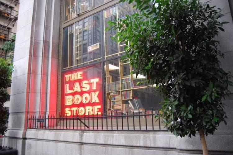 بسته های اجباری کتابفروشی لس آنجلسی در ایام قرنطینه