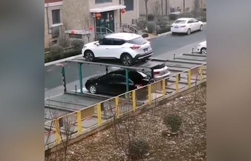 آشنایی با نوعی پارکینگ مکانیزه زیر زمینی