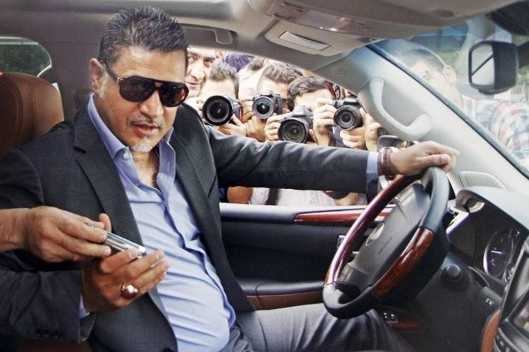 علی دایی 149 بازی ملی و فوق لیسانس دارد اما...