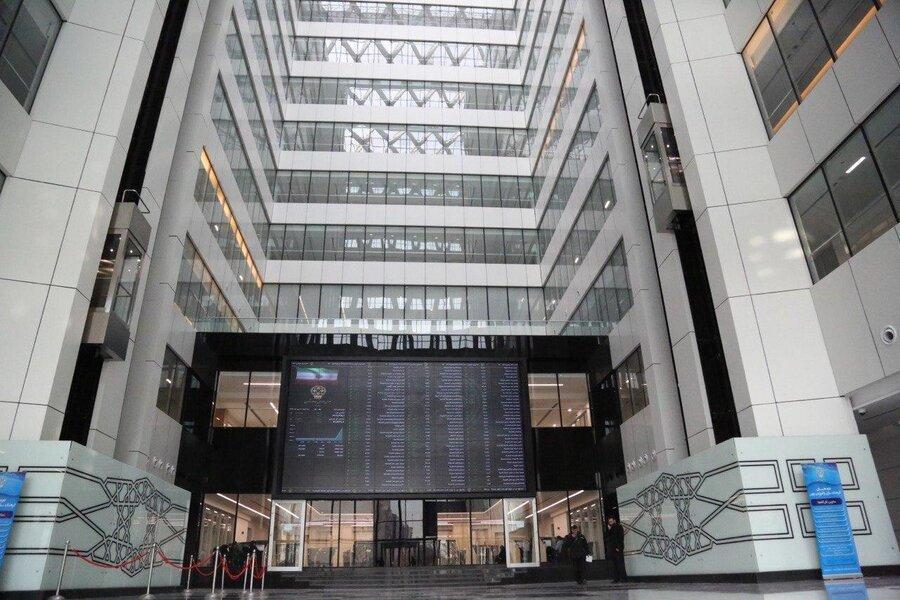 توصیه مهم مدیرعامل بورس به سرمایه گذاران ، معاملات بورس از هفته آینده دو زمانه می شود