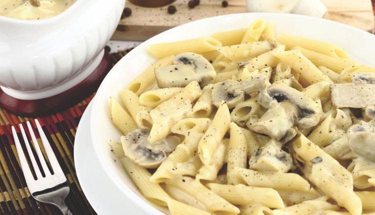 طرز تهیه پاستا با سس قارچ و خامه در کمترین زمان