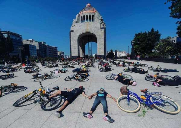 دوچرخه سواران علیه رانندگان