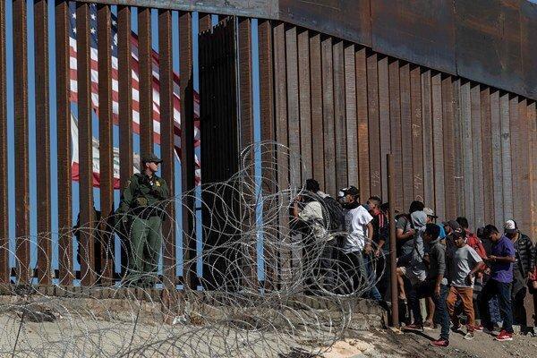 بایدن: راه شهروندی 11 میلیون مهاجر غیرقانونی را هموار می کنم