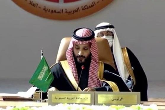 آشتی کنان با قطر و حمله لفظی به ایران، بن سلمان: برنامه هسته ای ایران صلح منطقه را تهدید می نماید!
