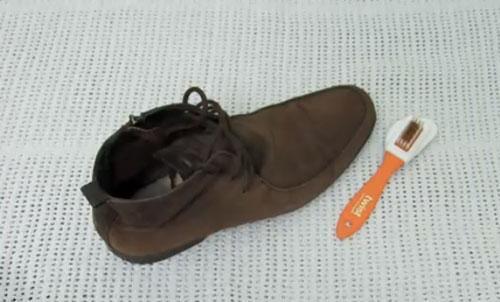 تمیز کردن کفش جیر با روش های مختلف
