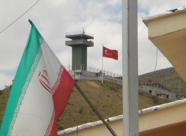 پاسپورت برای سفر ایرانیان به ترکیه حذف می شود؟
