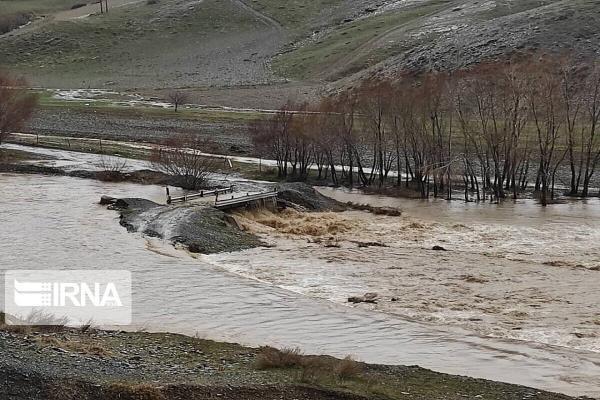خبرنگاران سیلاب 40 میلیارد ریال به پل های روستایی مهاباد خسارت زد