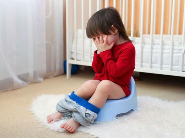 بی اختیاری مدفوع در بچه ها؛ دلیل و راه های درمان