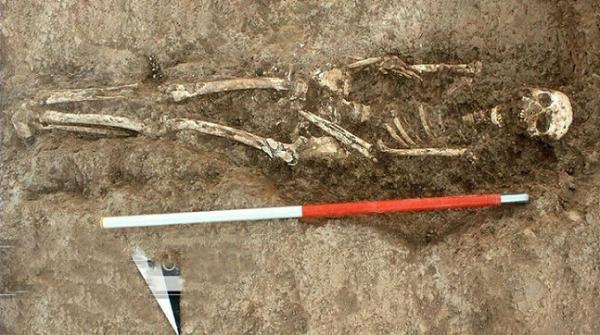چندین گور متعلق به نوزادان و بچه ها به همراه 160 لوح گلی کشف شد