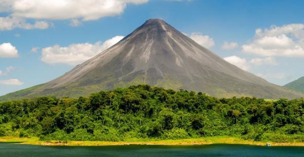 راهنمای سفر به کاستاریکا : سفری رویایی به کشور صلح و زیبایی