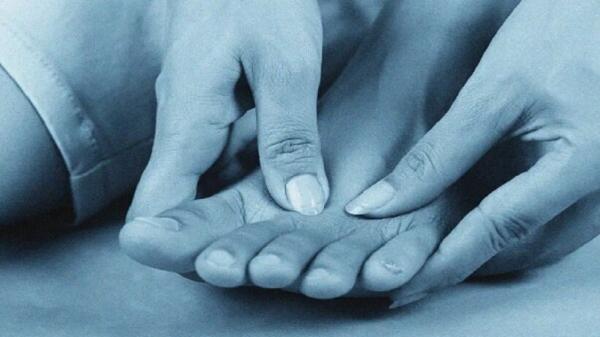 سندرم انگشت پای آبی چیست؟